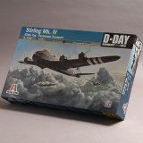 イタレリ 1/72 Stirling Mk.IV Glider Tug - Paratroops Transport